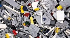 New arrivals: unsorted bricks by the weight