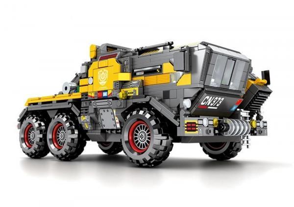 "Große Cargo Transport-Zugmaschine, gelb  (Figuren ""geköpft"")"