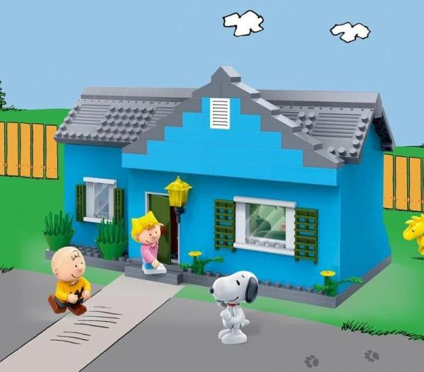 Charlie Browns Residence