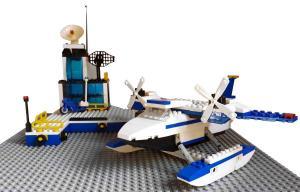 Polizei Station mit Flugzeug