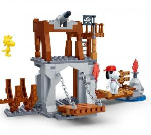 Snoopy Pirate Watchtower