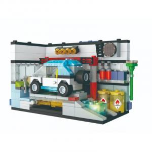Car Workshop with Light Up Brick