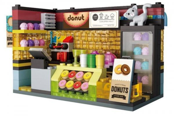 Scenario: Donut House, lighted