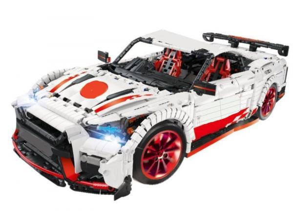 Racing Car in white