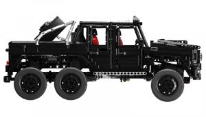 Cross Country Car in black