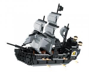 Piratenschiff in schwarz