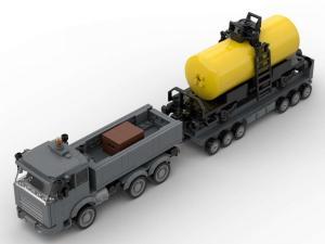 LKW mit Kesselwagen auf Schwerlastanhänger