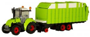 Agricultural tractor with multifunctional trailer