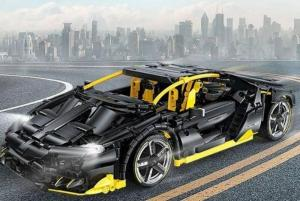 Racing car in black and yellow