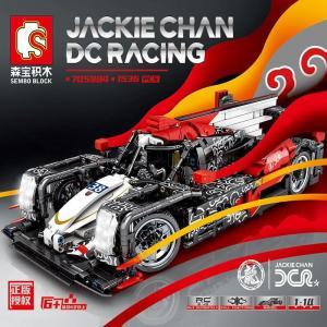 Jackie Chan DC-Rennwagen