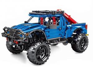 Geländewagen in blau